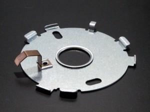 高強度SUS鋼をカシメ加工 (1)